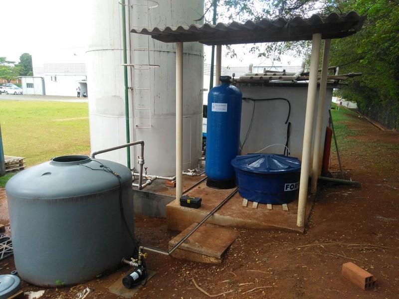 Filtro para remover flúor da água